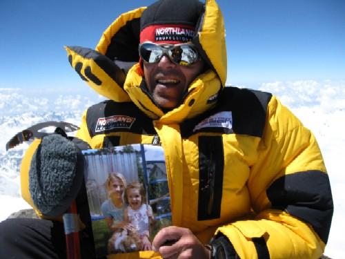 Am Gipfel des Nanga Parbat (8125m)
