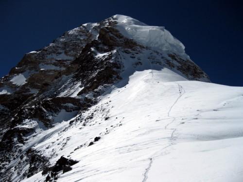 Freie Sicht zum 300 Hm entfernten Gipfel