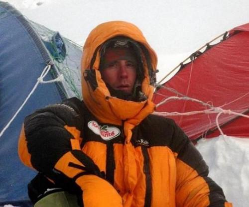 Louis Rosseau nach dem Gipfelversuch in Lager 3 auf 7380m